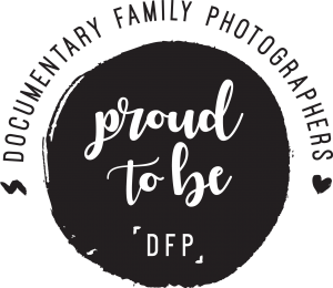 documentary family photographers logo