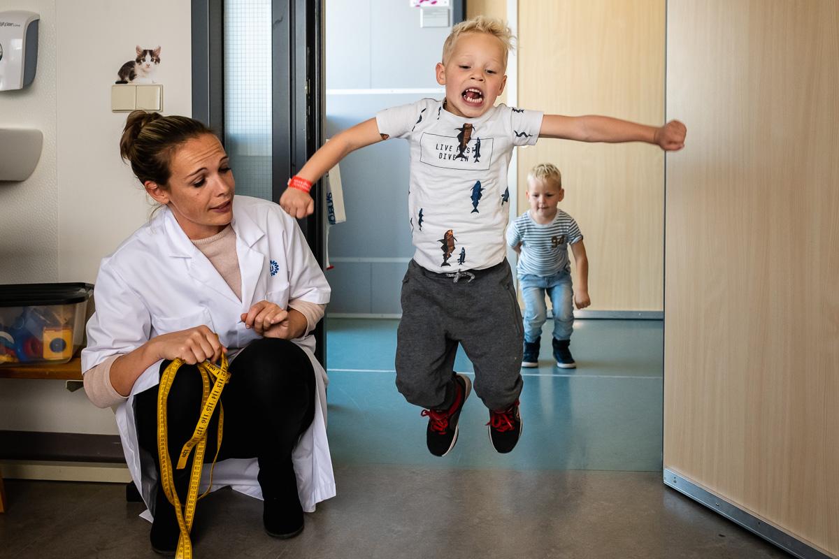 Documentaire familie fotografie, reportage van Inspanningsoefening bij het WKZ, Sandra Stokmans Fotografie