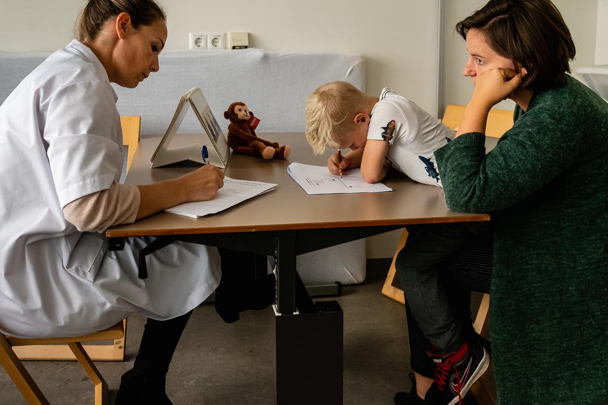 Project Hartekind, bezoek Wilhelmina Kinderziekenhuis, familie fotografie Sandra Stokmans Fotografie