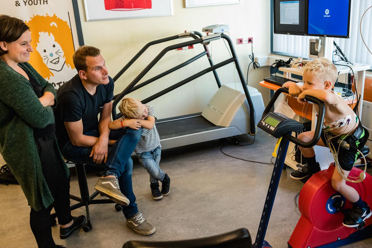 Project Hartekind, inspanningsoefening bij WKZ, familie fotografie Sandra Stokmans Fotografie