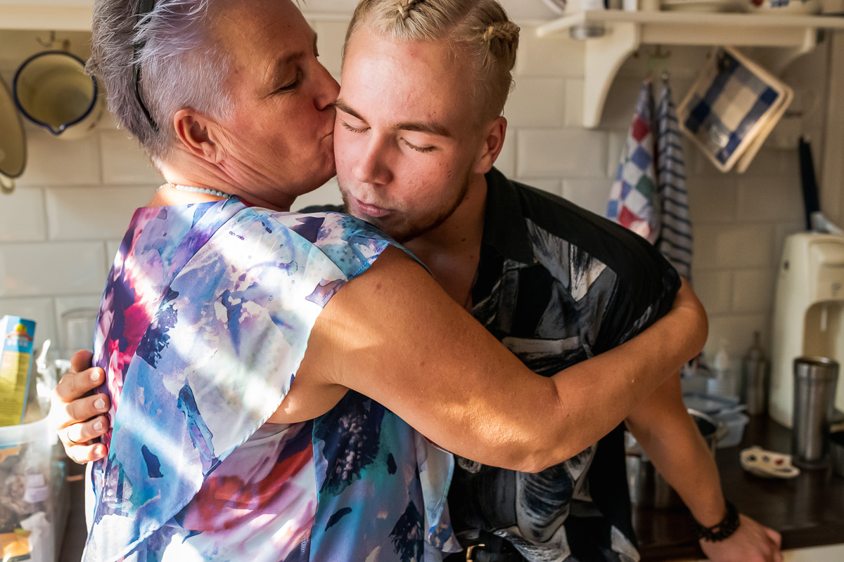Day in the Life, Skip Boekhorst met zijn moeder, documentaire familie fotografie, Sandra Stokmans Fotografie