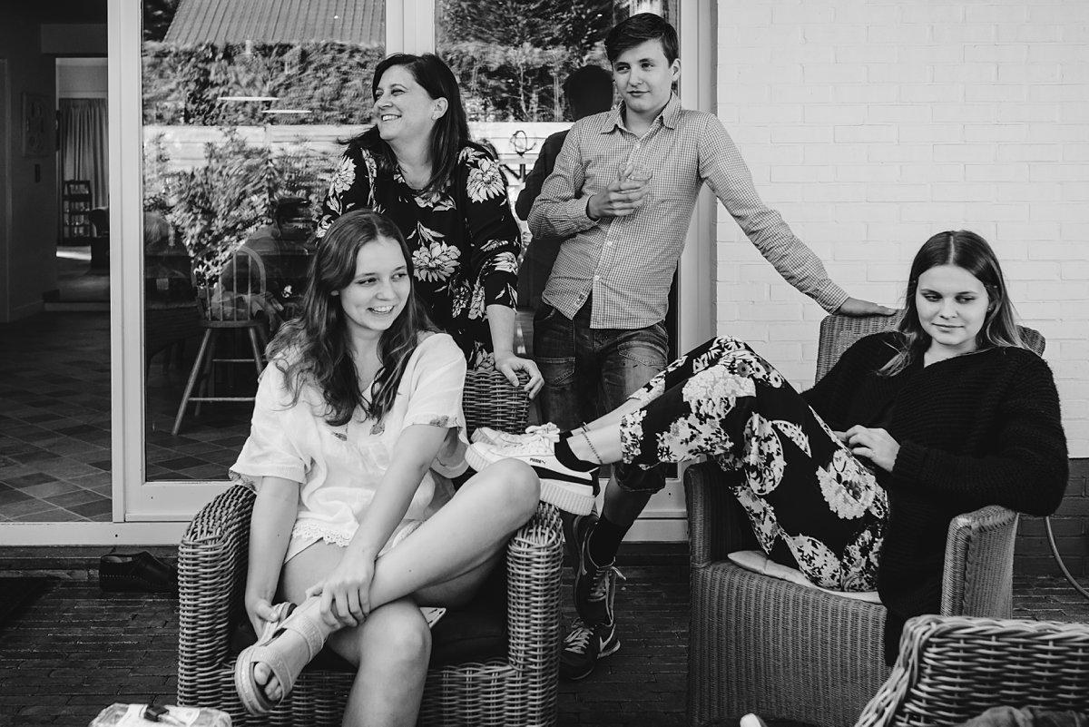 Familiedag fotograferen nabij Antwerpen, Belgie. Day in the Life familieportret (niet geposeerd ervoor!), foto door Sandra Stokmans Fotografie
