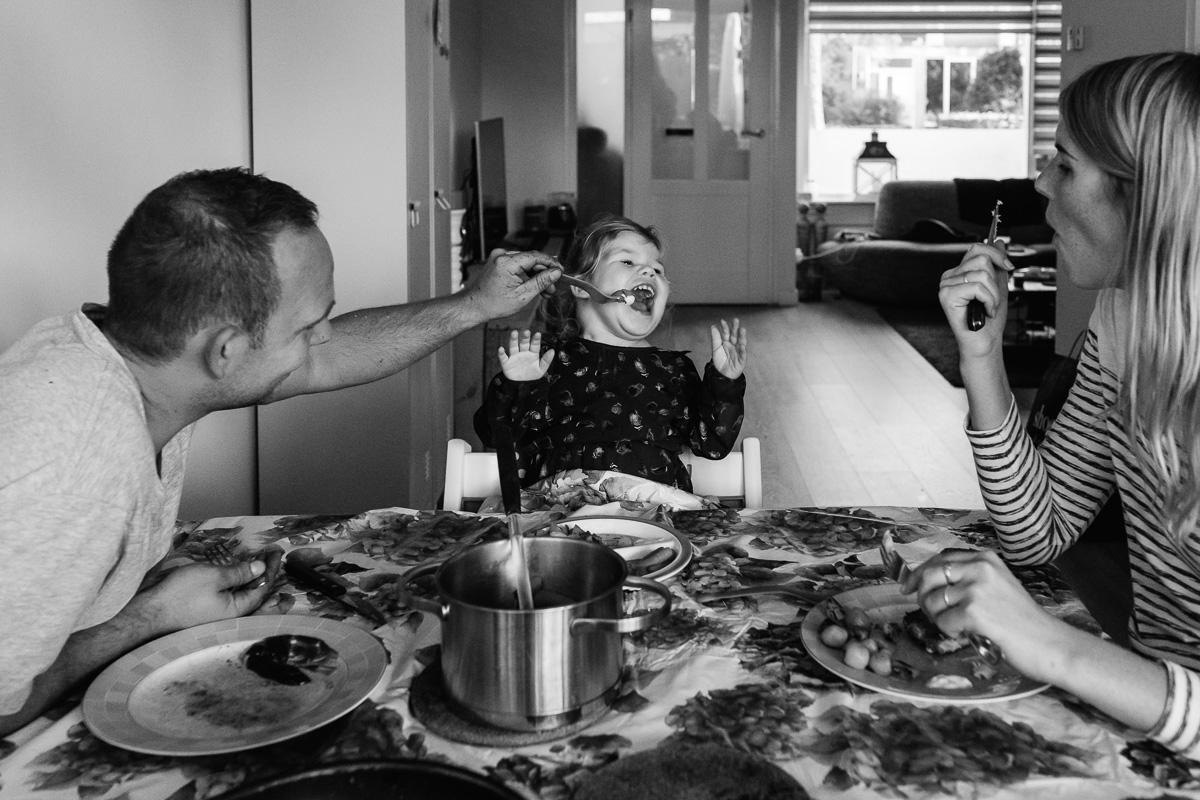 Avondeten familiefotografie, Hartekind geboren met transpositie grote vaten, Sandra Stokmans Fotografie