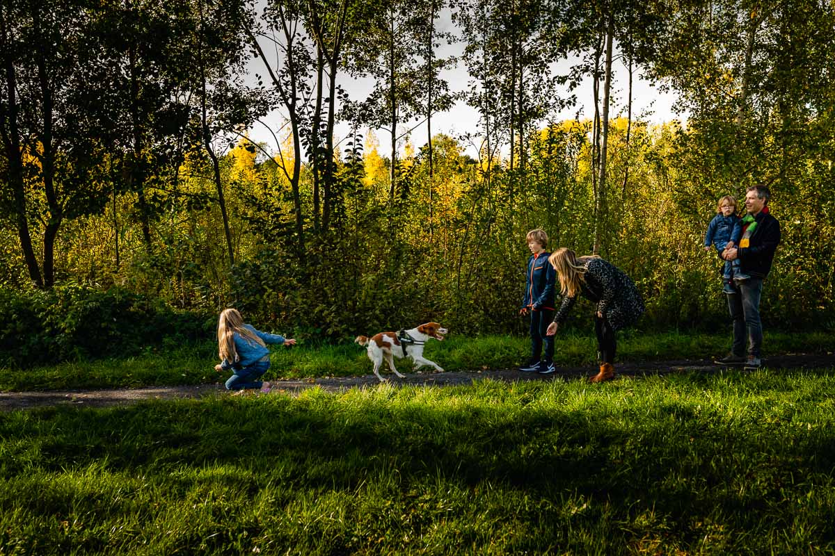 documentary photographer, whole family in the frame, documentaire familie fotograaf Maarssen Sandra Stokmans Fotografie